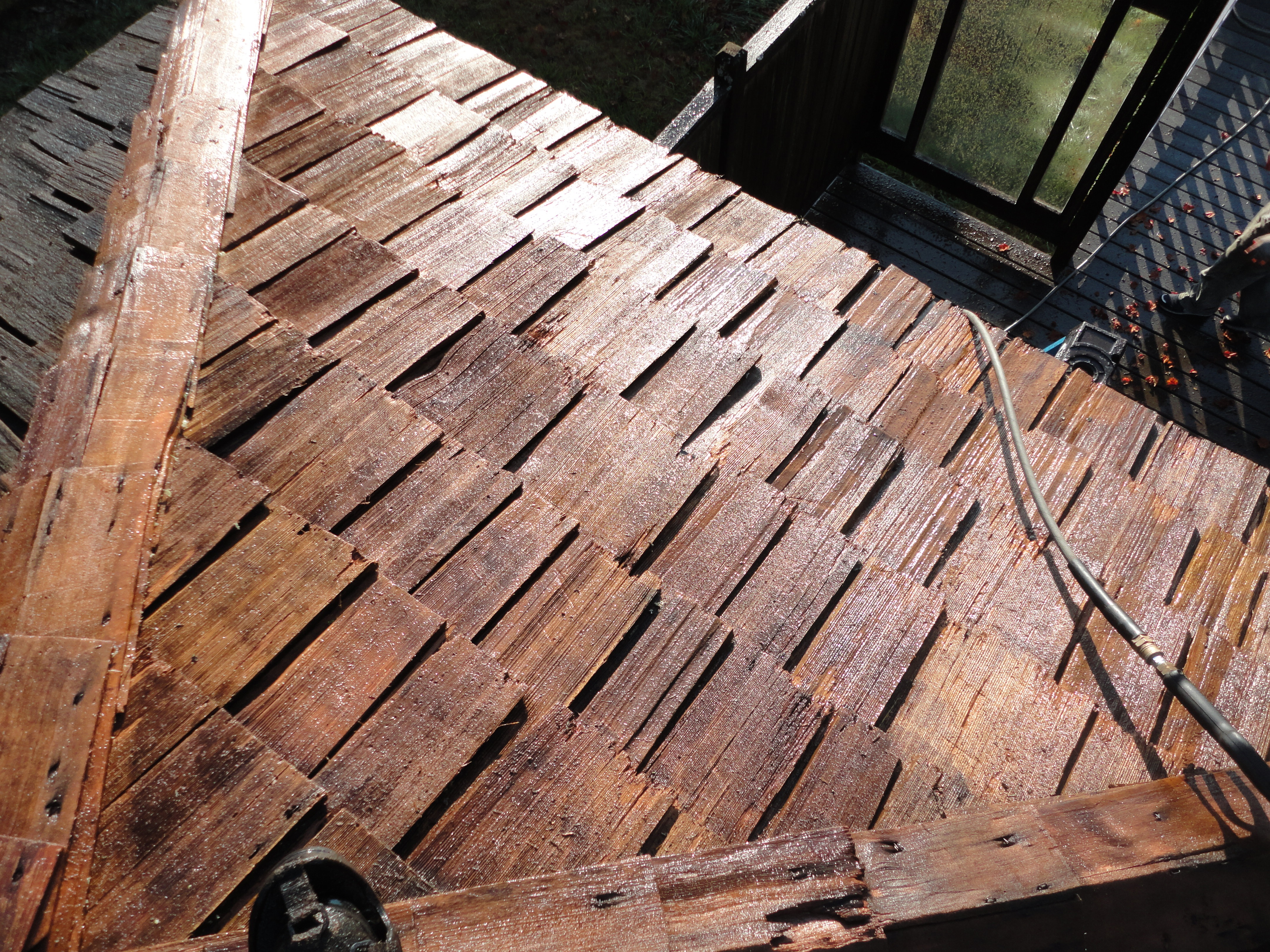 Oiling Cedar Seattle Roof Cleaning